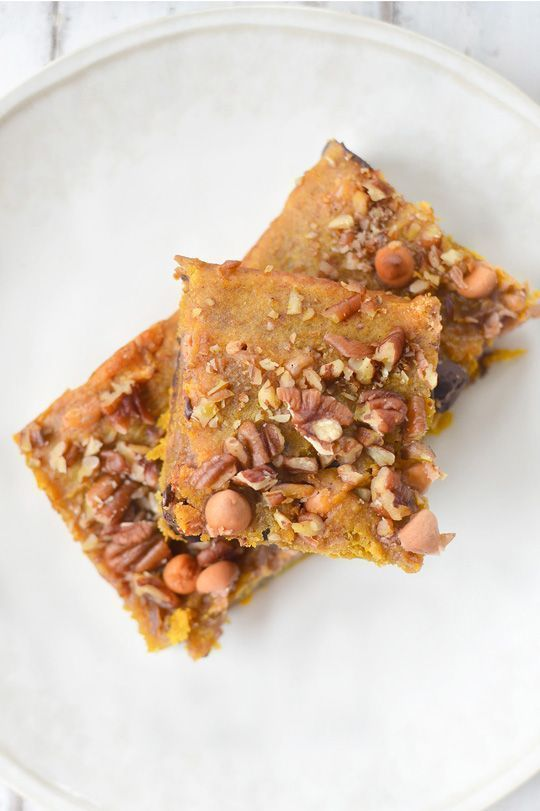 Pumpkin Blondies Recipe The addition of both pumpkin puree and pumpkin pie spice, this fall infused pumpkin blondies recipe is one you will make over and over again this season.