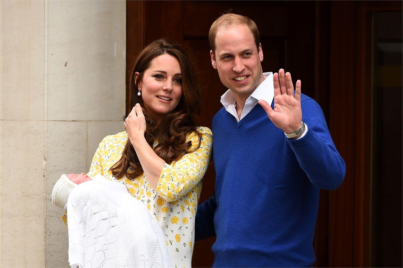 Kate Middleton è uscita dall'ospedale, le prime foto della secondogenita dei duchi di Cambridge - VanityFair.it