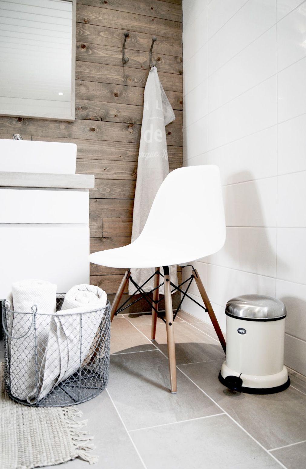 3 verschillende materialen leuk vloer houten wand witte