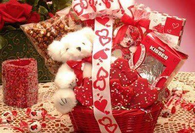 افكار هدايا عيد الحب 2013 بالاسعار الافكار للبنات فقط عيد حب سعيد Valentine S Day Gift Baskets Valentine Gift Baskets Valentines Day Baskets
