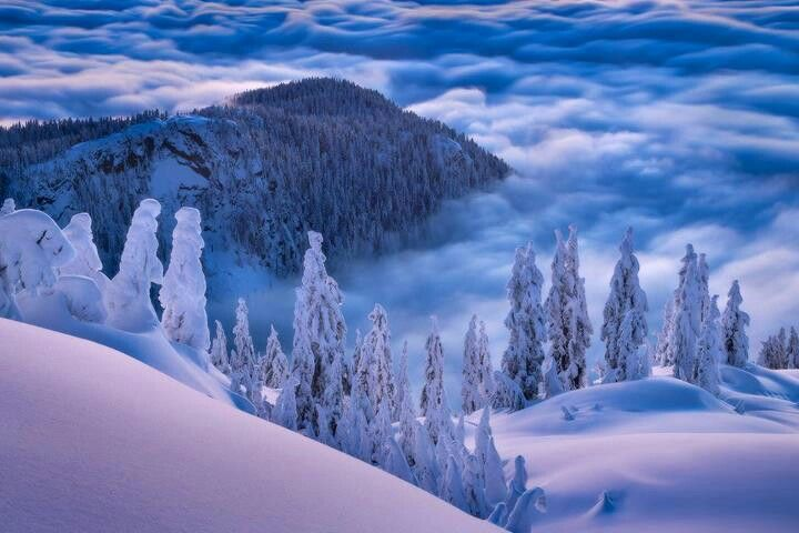 stuning view above the clouds