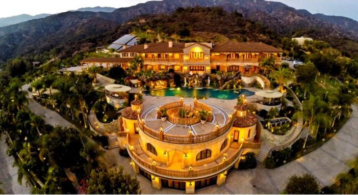 Stunning Mansion In Los Angeles California Mansions Dream House Exterior Pasadena Real Estate