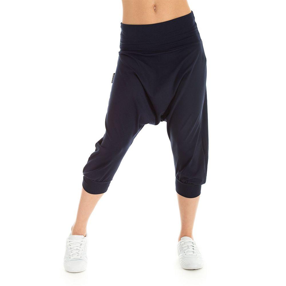 Die leichte Winshape Haremshose WBE7 ist ein absoluter Traum für alle, die im angesagten Harems-Look gerne unterwegs sind, denn diese Hose ist an Lässigkeit nicht zu überbieten....