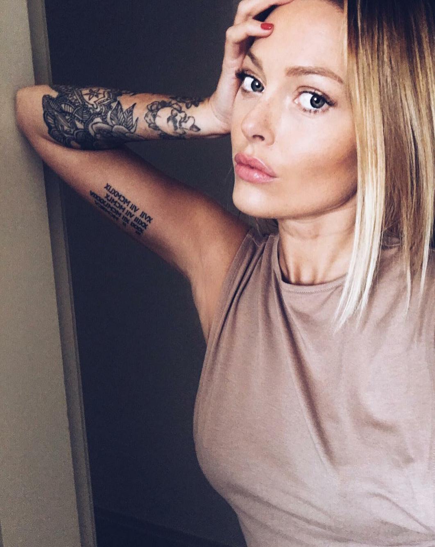 Caroline Receveur Lucas Plus T A T T O O Tatuajes Selfies Et