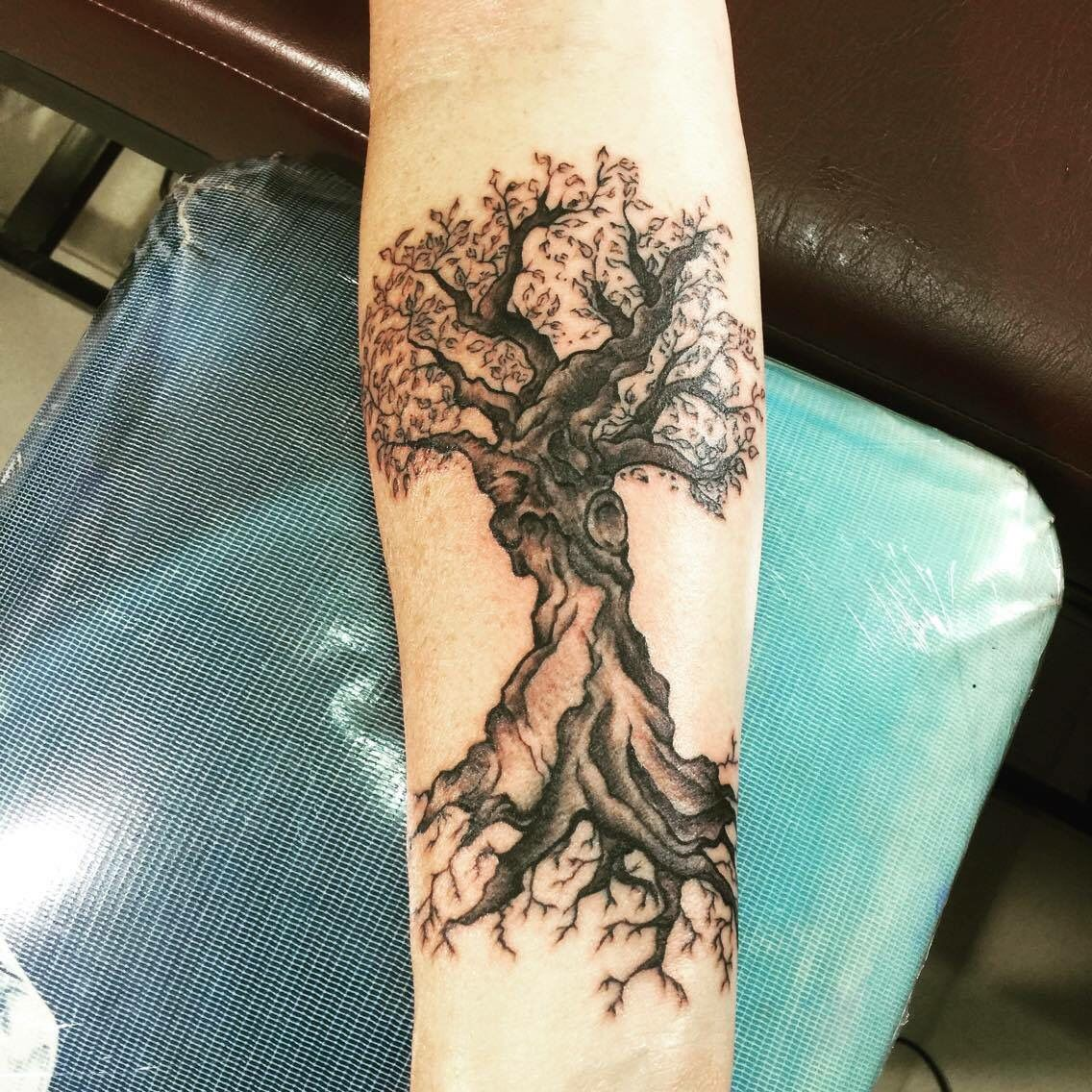 Realistic tree by PZ from Lex Roulor Tattoo. tree