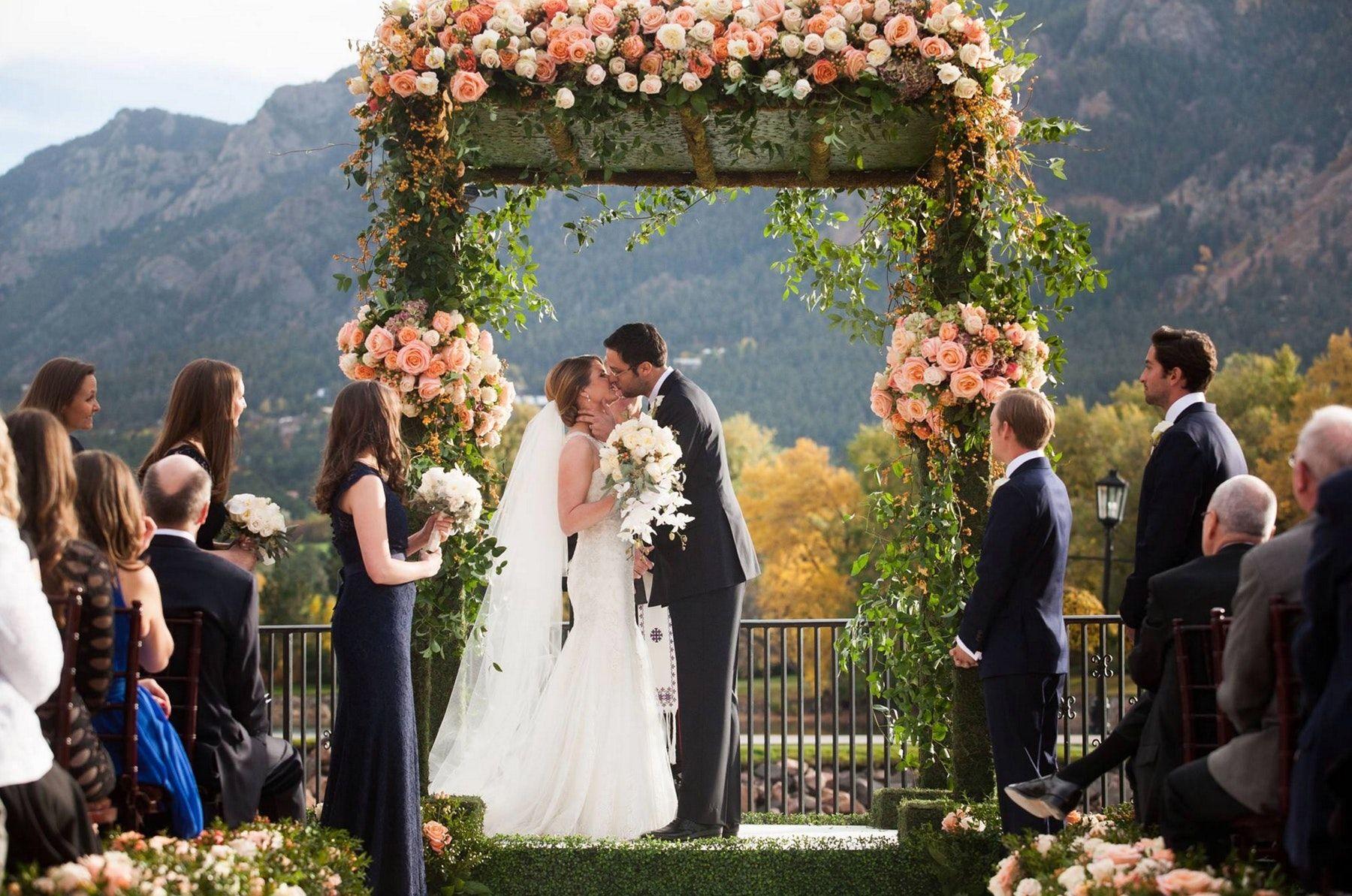 The Broadmoor Weddings Colorado Springs Wedding Venue