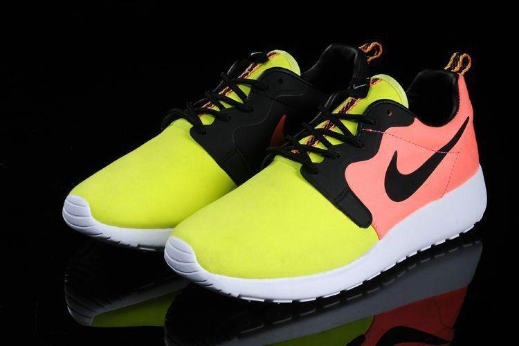 2f94846ba8e3 Real 2018 Nike Rosherun Hyp Prm QS Mens Volt Black Hyper Punch 669689 700