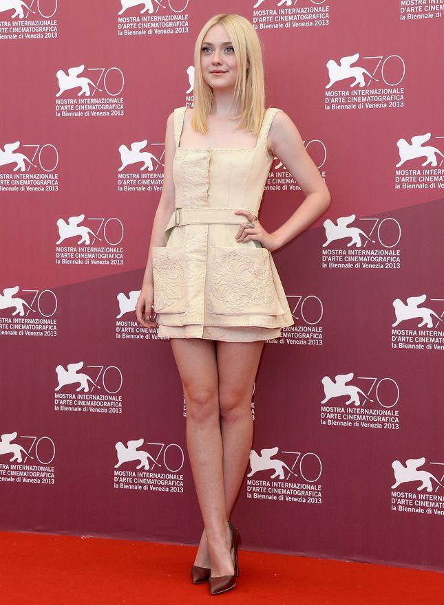 "Dakota Fanning on fotokole film ""Night of motion"" in Venice"