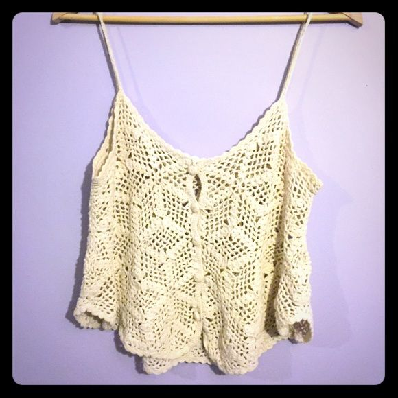 Crochet button up vest ✨FESTIVAL WEAR✨ easy going and cute look to it! No visible flaws! Forever 21 Tops Tank Tops