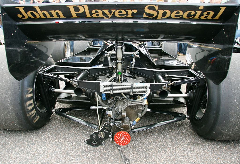 Lotus Type 92 1983 Ford Cosworth : First F1 car with revolutionary active suspension