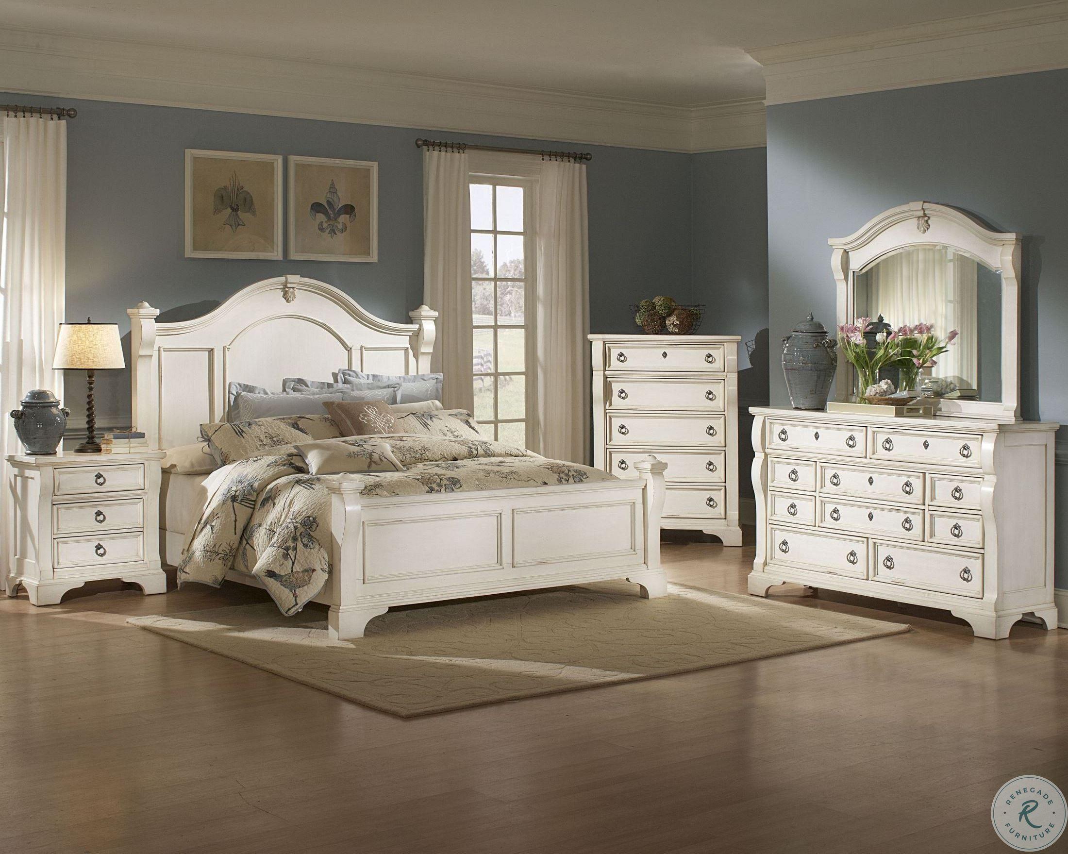 Heirloom White Poster Bedroom Set Amw 2910 50pos Room White Bedroom Set Antique White Bedroom Furniture Bedroom Set