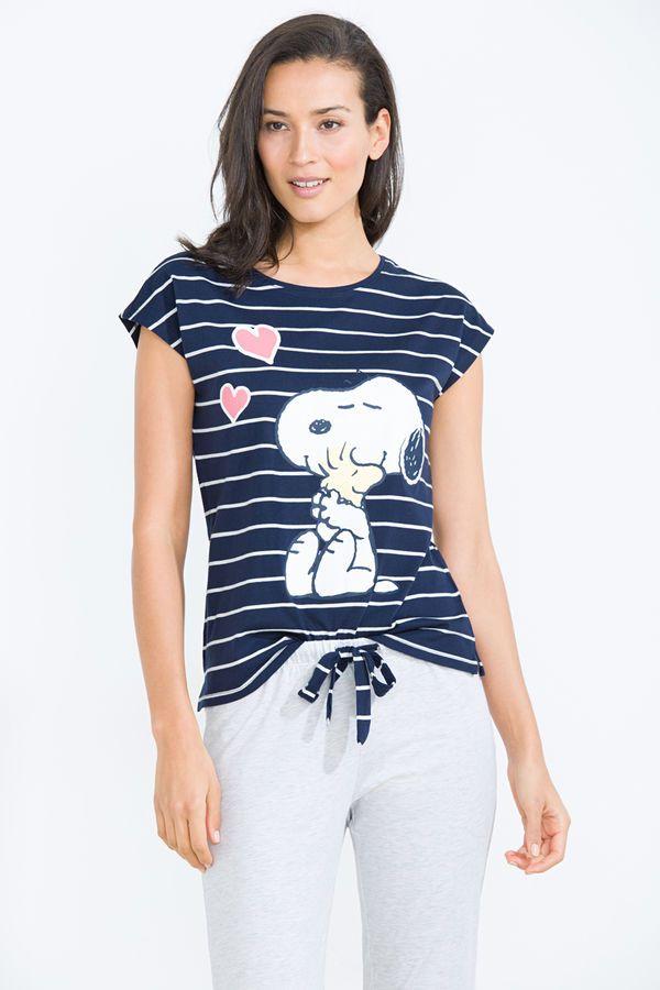 8fa9f72b2d Pijama largo de rayas con gráfica de Snoopy