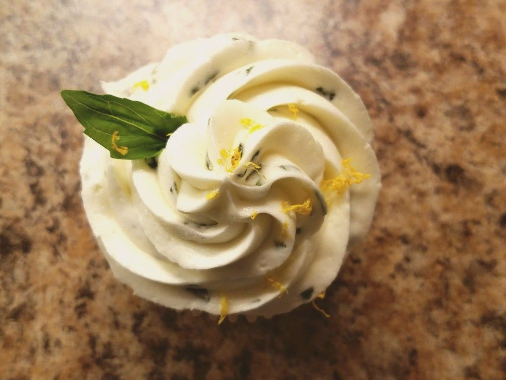 Olive oil cupcakes with lemon-basil buttercream on www.crazylifechronicallyblessed.com