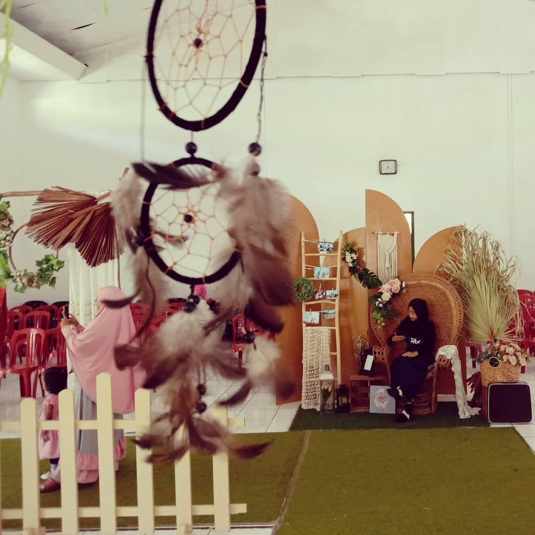 Decor by R e d 80s for detail 0899 6843 493  #rusticwedding #weddingbandung #promowedding #weddingpackage #nuruljamil #weddingoutdoor #simplewedding #flowerwedding #dekorasibandung #dekorasirustic #weddingsimple #dekorasibdg #weddingvendor #bride #groom