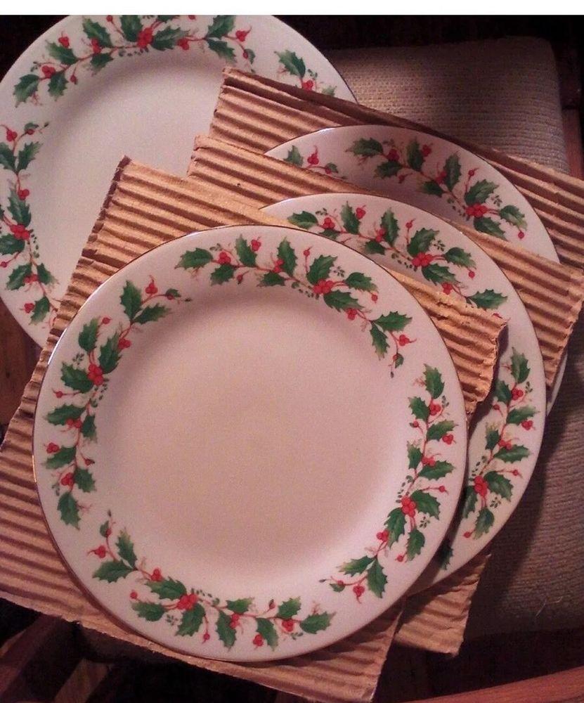 16 Pc Vintage NOEL Porcelain Dinner Set Gold Rim CHINA PEARL Christmas Boxed & 16 Pc Vintage NOEL Porcelain Dinner Set Gold Rim CHINA PEARL ...