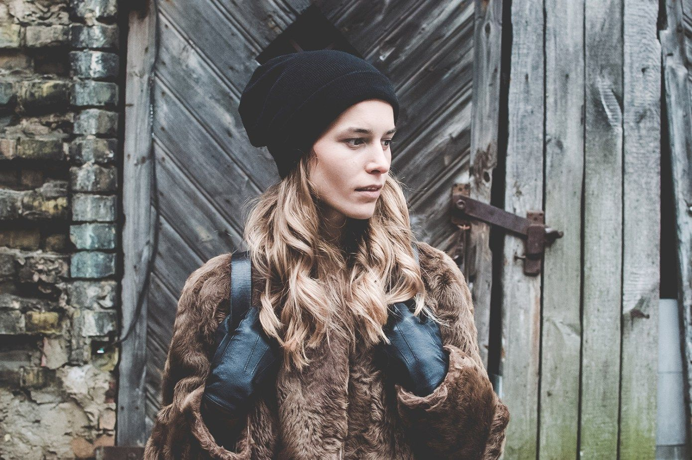winter #ootd post today on www.donttellanyone.net/blog! #fashion #outlook #style #outfit #fur #coat #winter