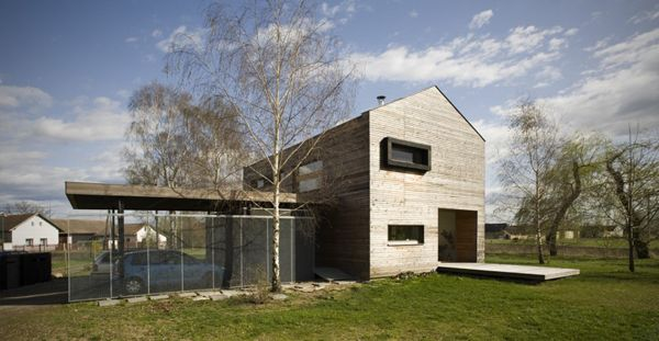 Rustic House With Natural Framework in Czech Republic - http://freshome.com/2012/12/05/rustic-house-with-natural-framework-in-czech-republic/