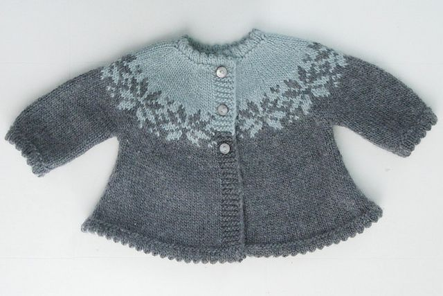 Pattern in The Alchemy of Color Knitting Alchemy: Yarns of Transformation. This is a lovely version - cussot on Ravelry