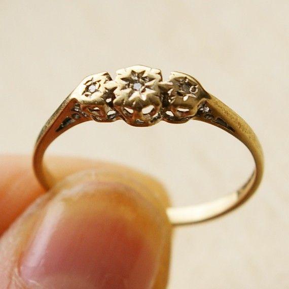 Vintage 9K Carat Gold Diamond Trio Engagement Ring