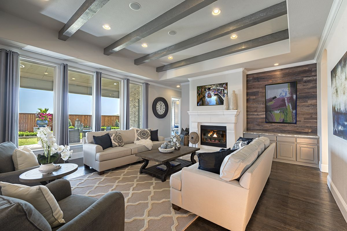 This Living Room Gives Plenty Of Space For Everyone To Sit And