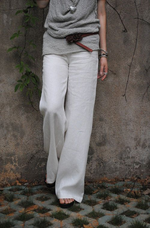 7d1903078e73 Styling it right...Linen trousers in white with a grey top...perfect!  1e51f30f872e4c981d51b58a4df03cc3 what shoes to wear ...
