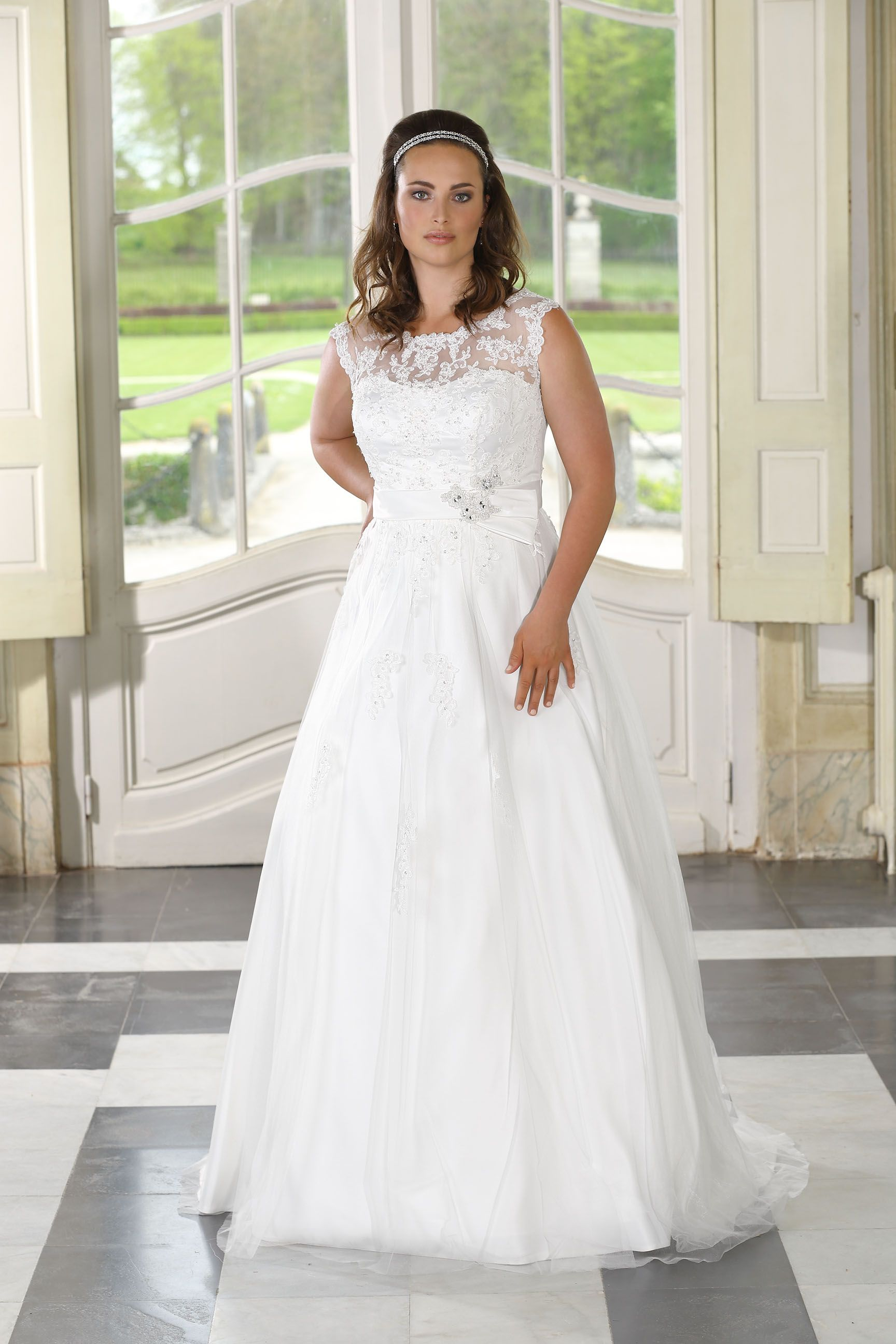 Ladybird Wedding Dress PlusSize LS716034 (With images