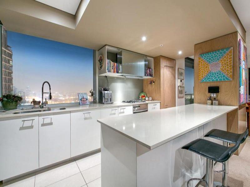 Ceiling skylight in a kitchen design from an Australian home - Kitchen Photo 7426697