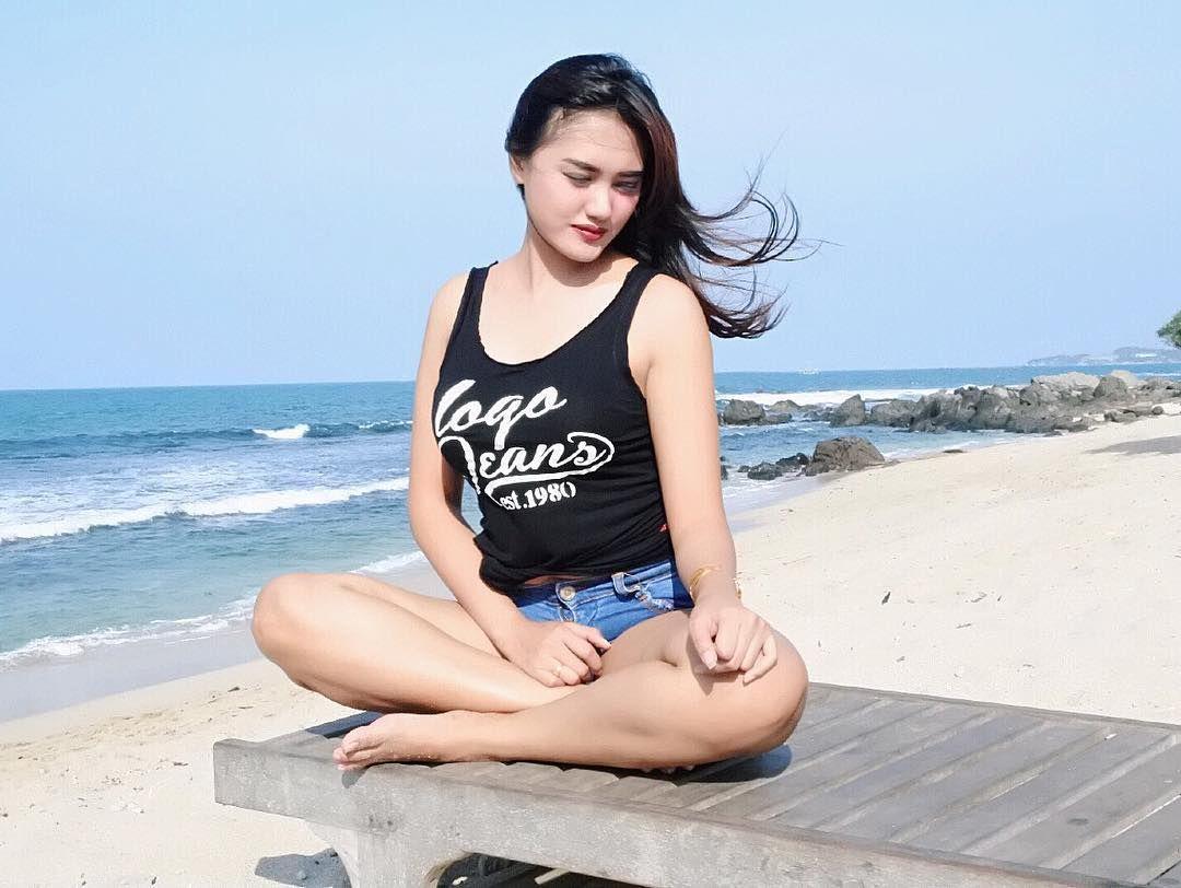 Pantai Tanpa Baju