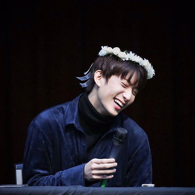161209 - b1a4 fansign @ Yeouido   tbh he is so pretty {#b1a4 #비원에이포 #b1a4da}  cr ; 포멤