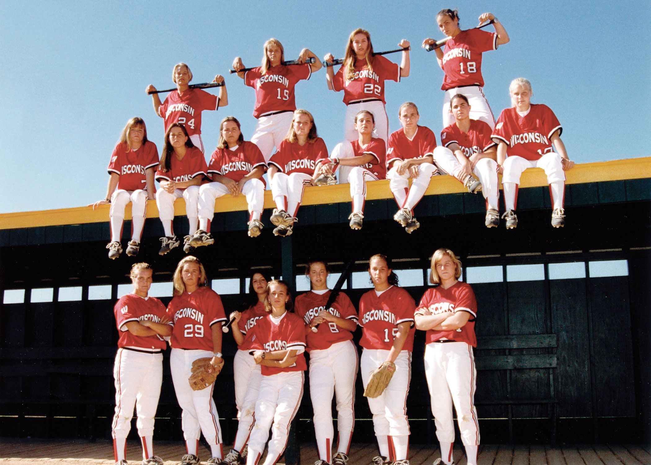 1997 Wisconsin Softball Team Softball Pictures Softball Pictures Poses Softball Photos
