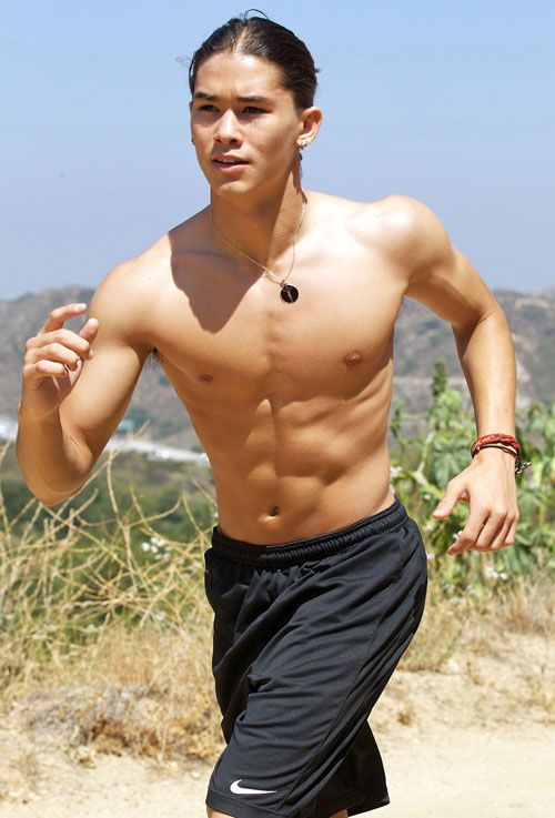 25 Sexy, Shirtless, Six-Packed Studs — The Best Abs in Hollywood! |  Wetpaint, Inc.