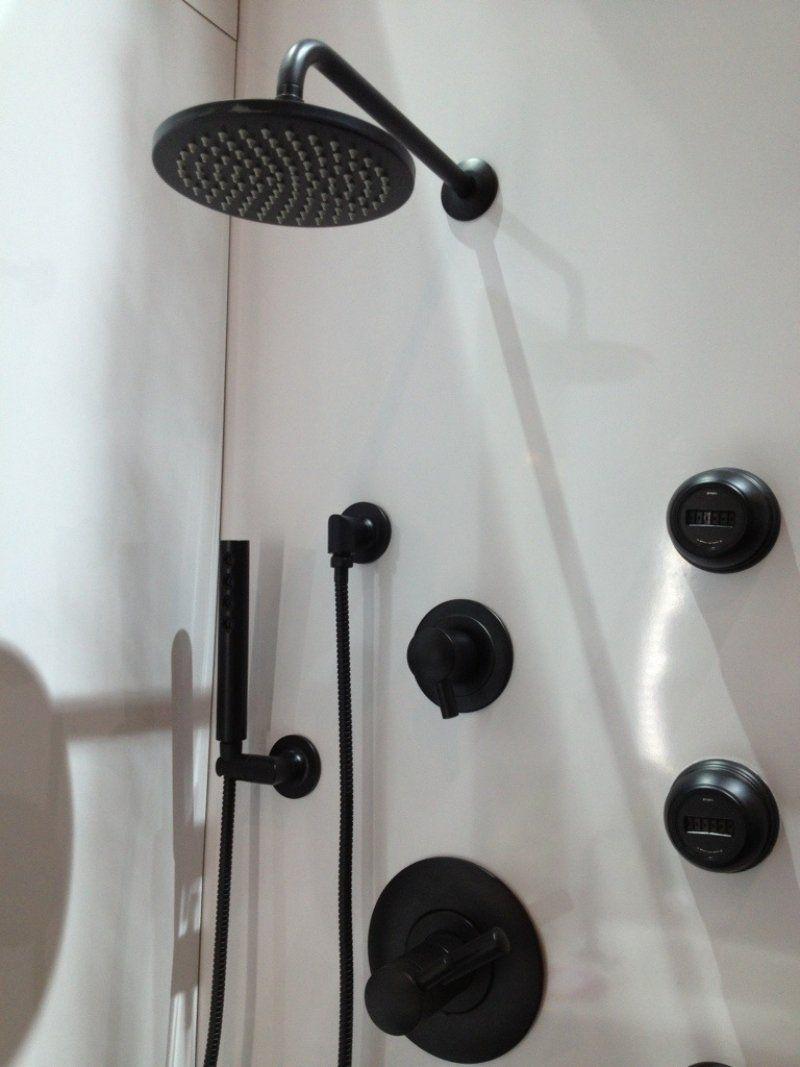 Robinet Design Pour La Cuisine Et La Salle De Bains Noir Et Blanc  9 Idées!