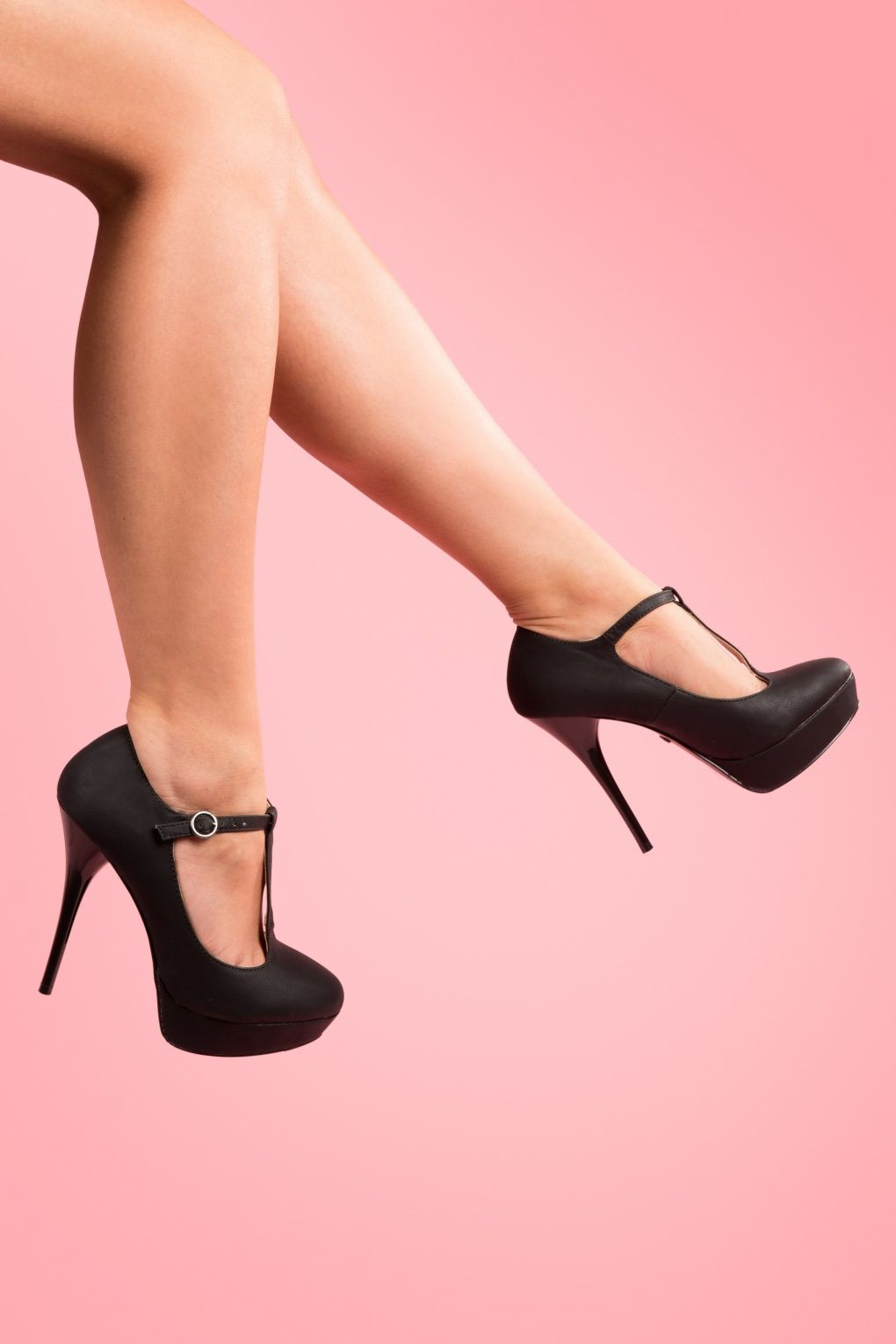 40s Emily T strap Leather Pumps in Black