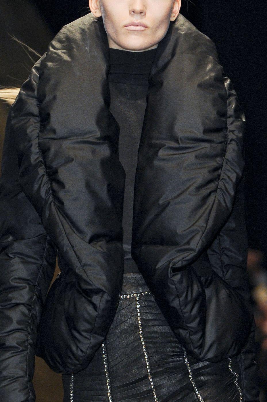 Donna Karan at New York Fashion Week Fall 2013 - Details Runway Photos