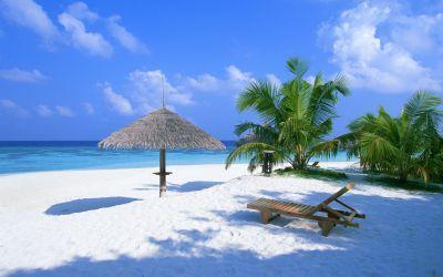 Beautiful beach in Maldives wallpaper