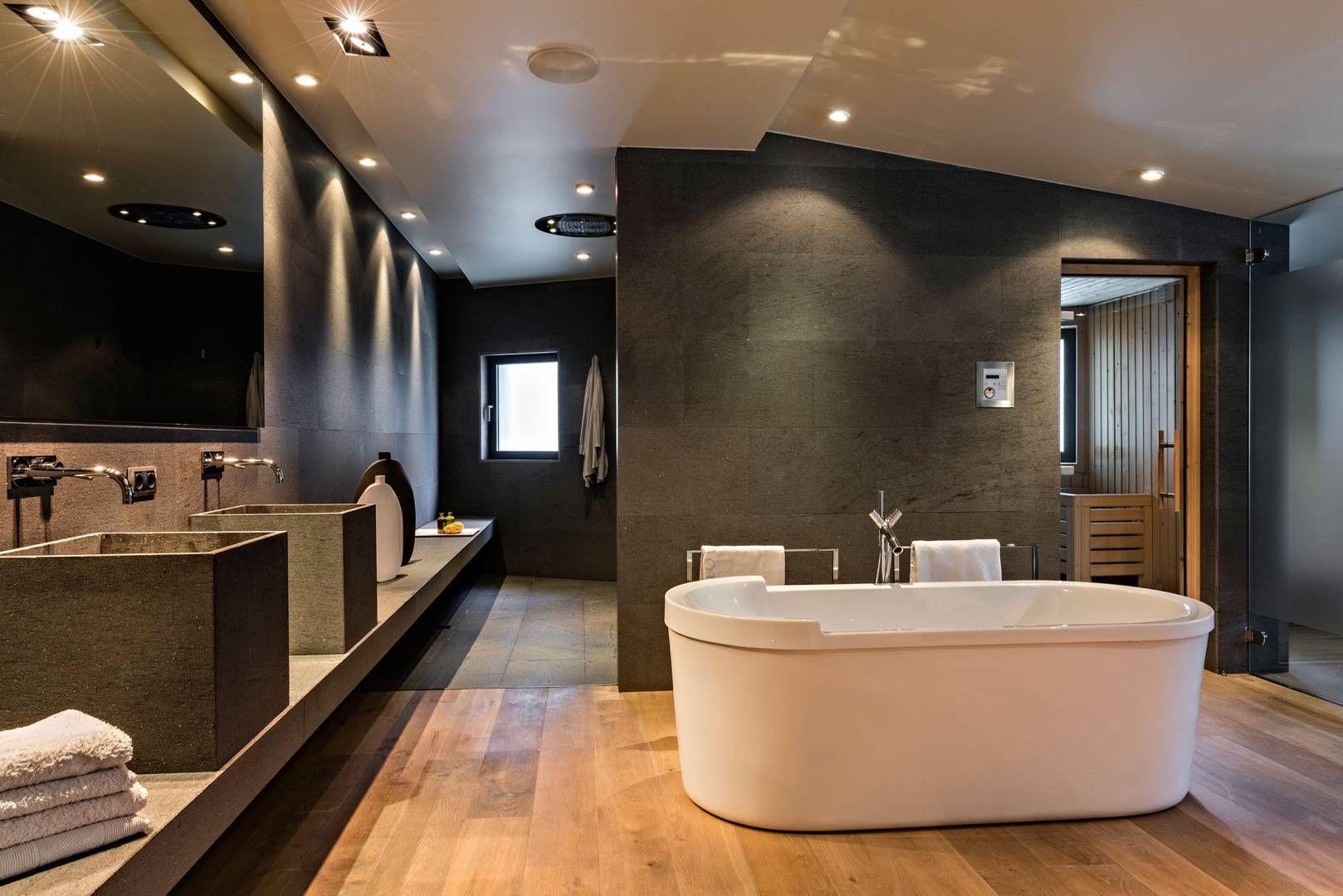 Imagen de Alberto Celestino Poto en Bathrooms