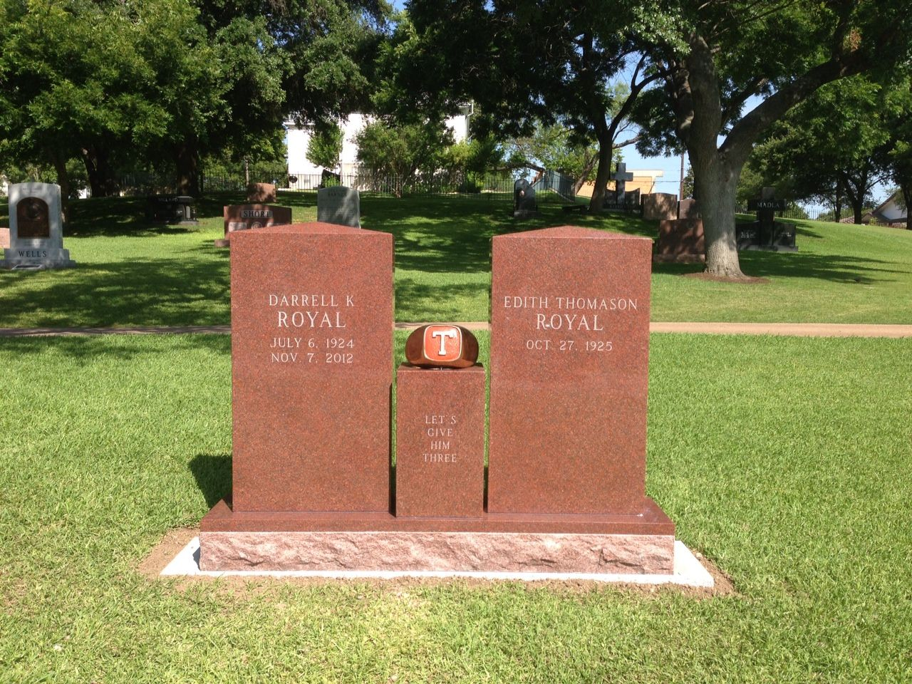 Coach Royal at Texas State Cemetery with T ring