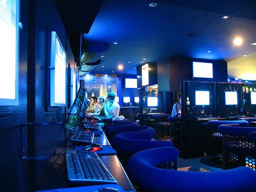 Internet Cafe Interior Design Fresh Furniture Idea Cafe