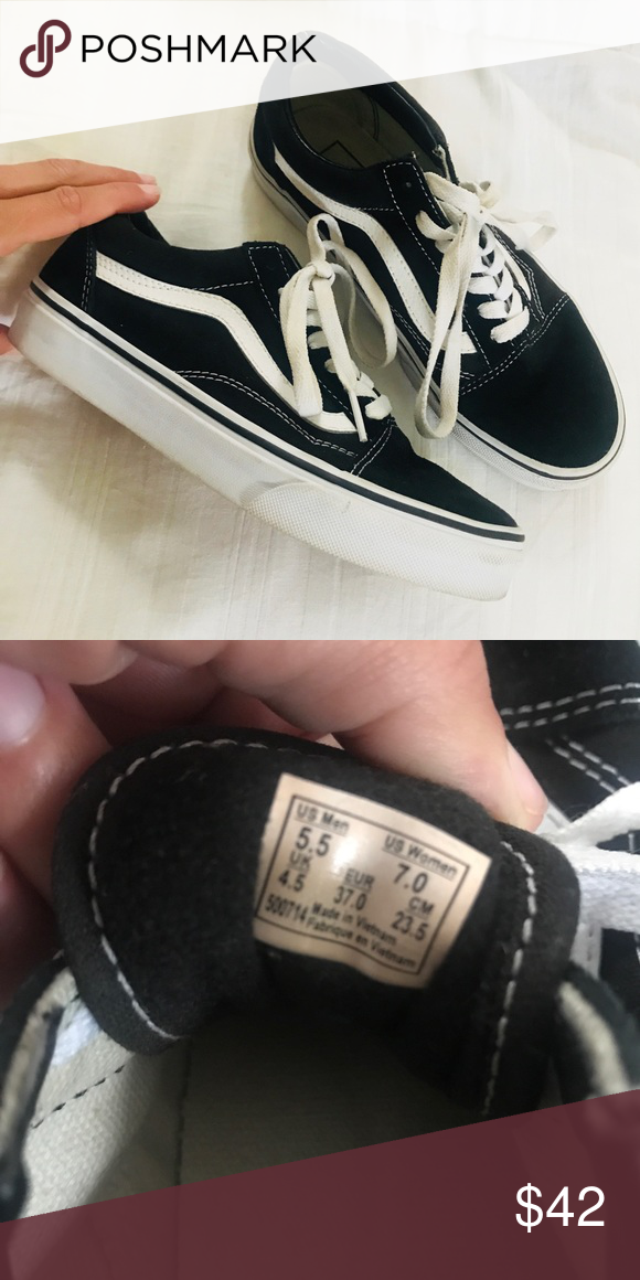6cf23211e2 Vans women s Canvas Old Skool classics Worn ONCE Great condition Size 7  women s 5.5 men s Black and white Authentic Send me an offer (  Vans Shoes