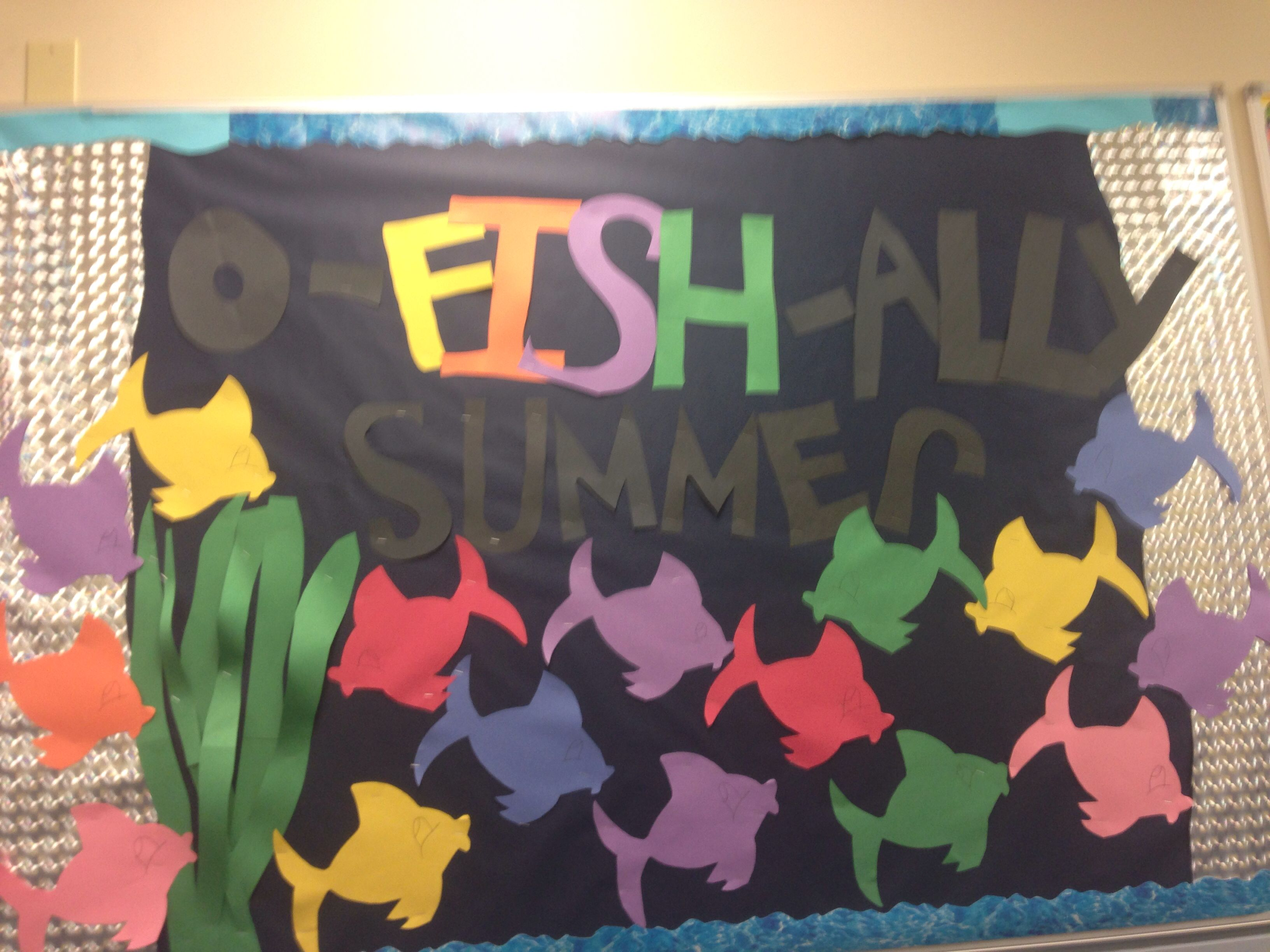 Perfect summer bulletin board ! Simple and creative !