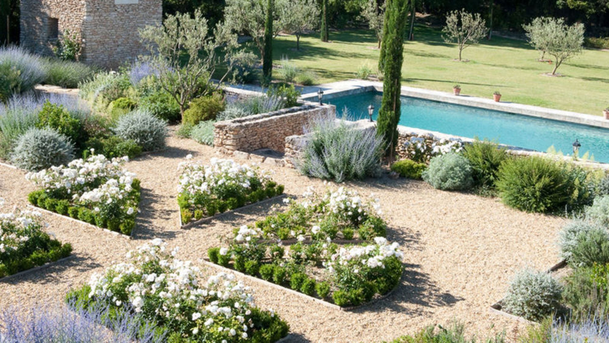 Comment am nager un jardin m diterran en c t maison - Creer un jardin mediterraneen ...