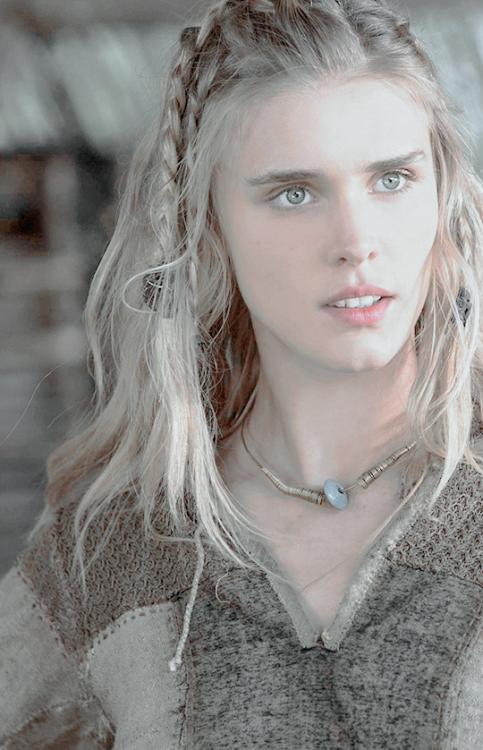 Gaia Weiss as Porunn in Vikings