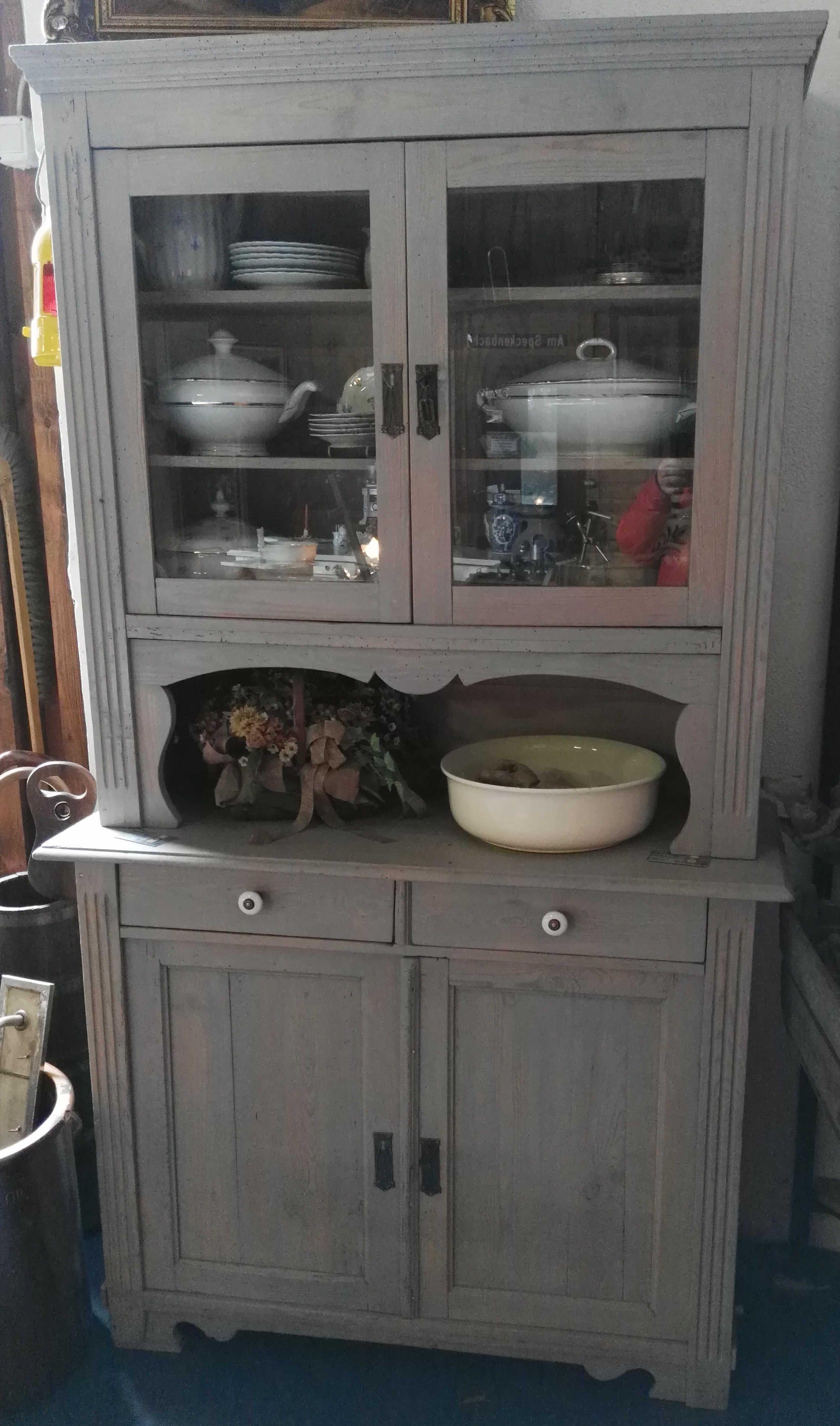 Pin Von Maren Toom Auf Ajaloohongulised Kapid Ja Puhvetid Vintage Cupboards Buffetschrank Schrank Buffet