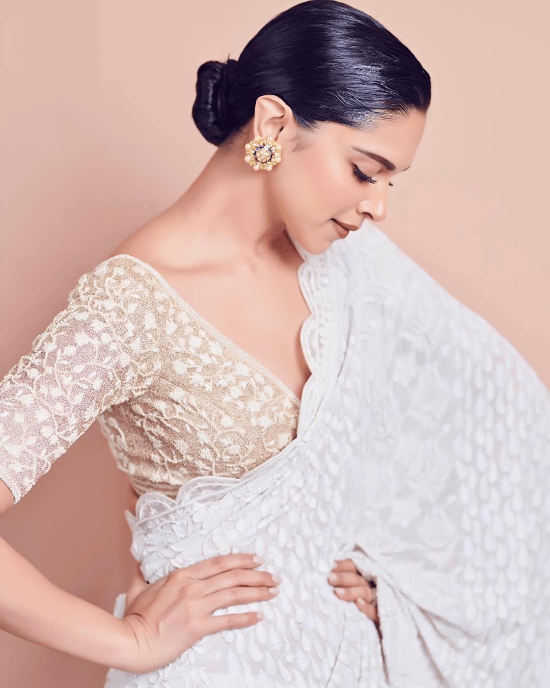 Actress Deepika Padukone Latest Hot Insta Stills Social News Xyz Saree Photoshoot Deepika Padukone Saree Saree Look