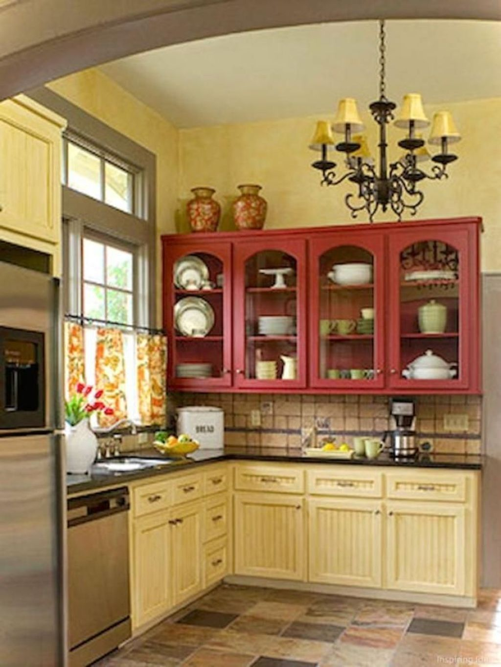 Awesome 9 Inspiring Cottage Kitchen Cabinets Ideas With Country ...