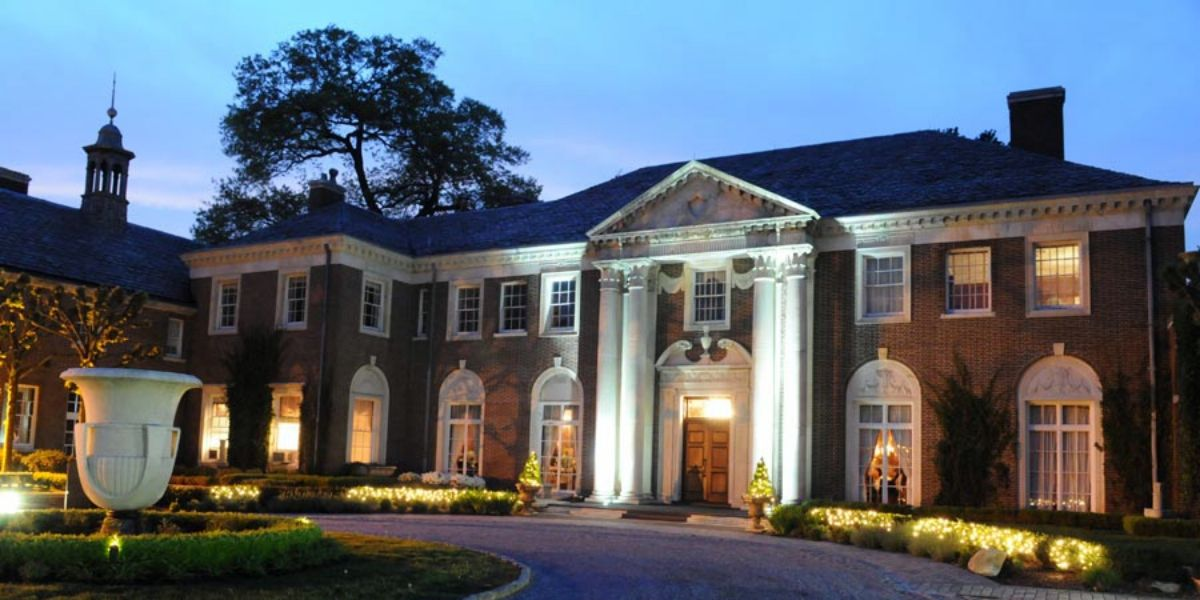 Weddings At Nyit De Seversky Mansion In Old Westbury Ny Wedding Spot Mansions Long Island Mansion Wedding Long Island Mansion