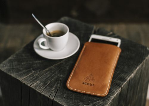 Scout Supply x Co&Jo  Housse iPhone disponible sur coandjostore.com Photographie par Corentin Bertau