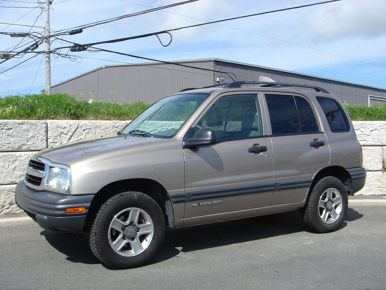 The 19th Vehicle I Ve Owned A 2004 Chevrolet Tracker It Had A 4 Cylinder Engine And Was Way Under Powered It Was A 4x4 But It Rea Chevrolet Tracker Vehicles