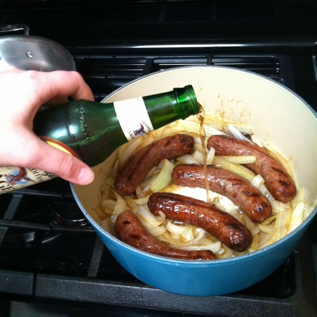 beer bratwurst and onions. | YuMmY!!! | Bratwurst recipes ...