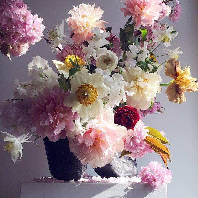Mercedes Fdez De Cordoba Memefdc Fotos Y Videos De Instagram Bouquet Arrangements Floral Wreath Instagram Posts